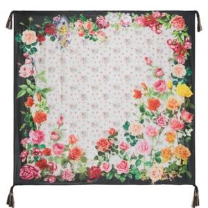 Johnny was BED OF ROSES SCARF